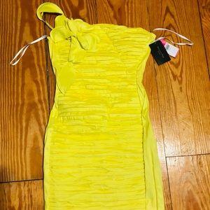 Dresses & Skirts - Beautiful yellow dress!!! 🌟
